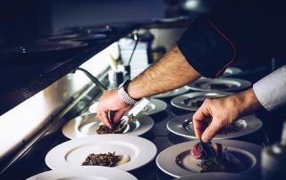 Mensa diffusa: cos'è è perché conviene rispetto ai buoni pasto